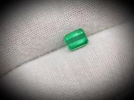 Emerald 0.92 ct 6 х 4.8 mm